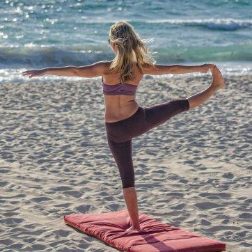 yoga au bord du lac